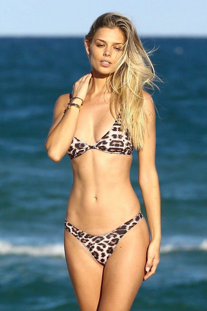 Bikini Babe 1